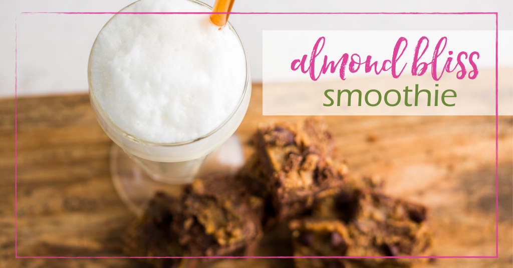 Almond Bliss Smoothie | Eco-conscious and sustainable lifestyle blog| GoodGirlGoneGreen.com